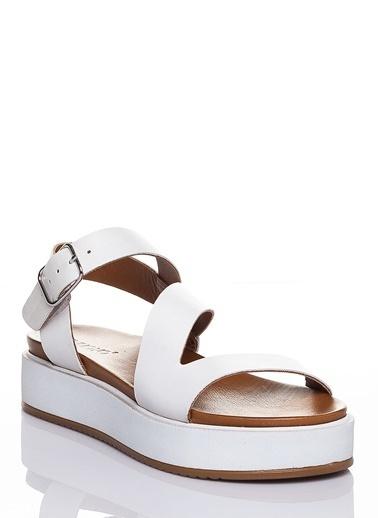 Efem Sandalet Beyaz